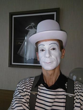«Mime à la Carte» à Paris à l'Hôtel Plaza Athénée